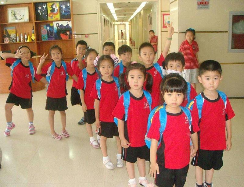 幼儿园穿园服通知怎么写
